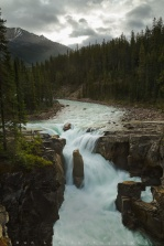 A rainy morning at the Sunwapta Falls in Jasper National Park, Alberta, Canada