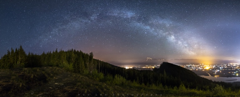 Mount_Woodland_Night_Pano_Crop_1600.jpg